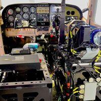 Por primera vez un robot consigue despegar, volar y aterrizar un avión de forma autónoma y sin humanos a bordo