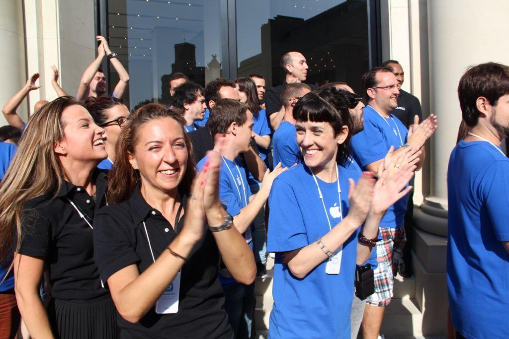 Foto de Inauguración de la Apple Store del paseo de Gracia (11/27)