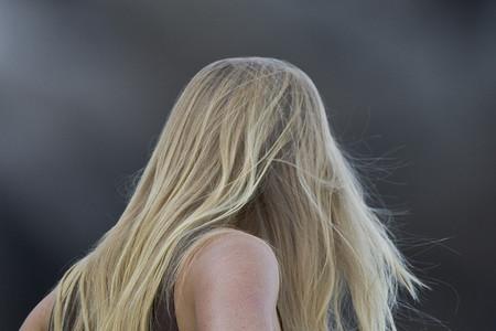 Cómo reforzar el pelo tras el verano
