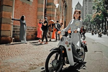 Mujer Moto