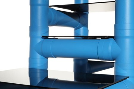 Tubro, estanterías hechas con tuberías de PVC