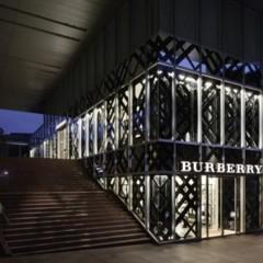 Foto 1 de 14 de la galería burberry-abre-de-nuevo-su-tienda-en-tokio en Trendencias