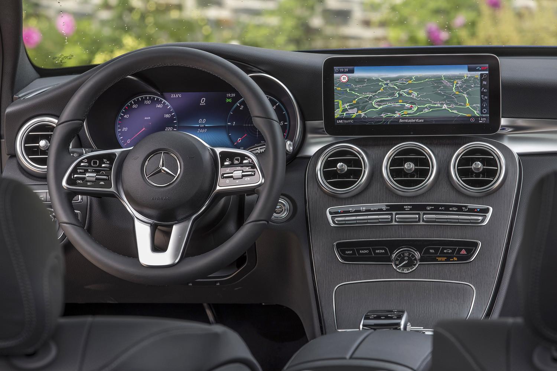Foto de Mercedes-Benz Clase C 2018, toma de contacto (253/255)
