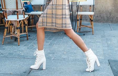 Cuatro formas de llevar botines con cordones si quieres presumir de estilo y no te van las Dr Martens