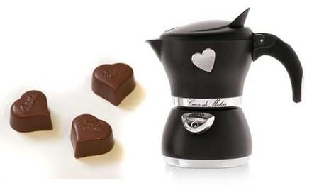 Café y chocolates para San Valentín, regalos con corazón