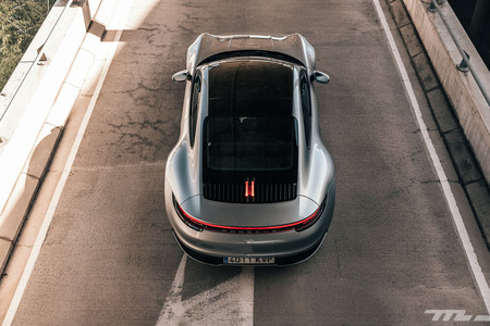 Porsche 911 992 trasera superior