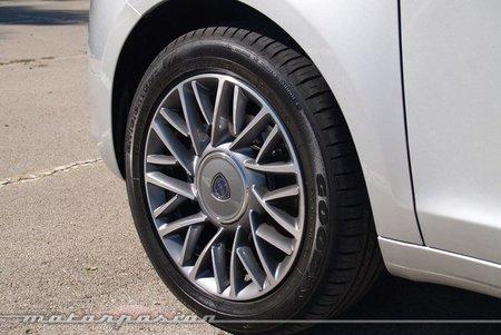 Lancia-Ypsilon-2011-06