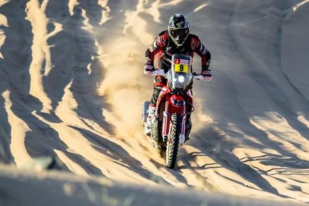 Exhibición de Ricky Brabec en el Dakar para liderar la rebelión de Honda en un día aciago para las KTM