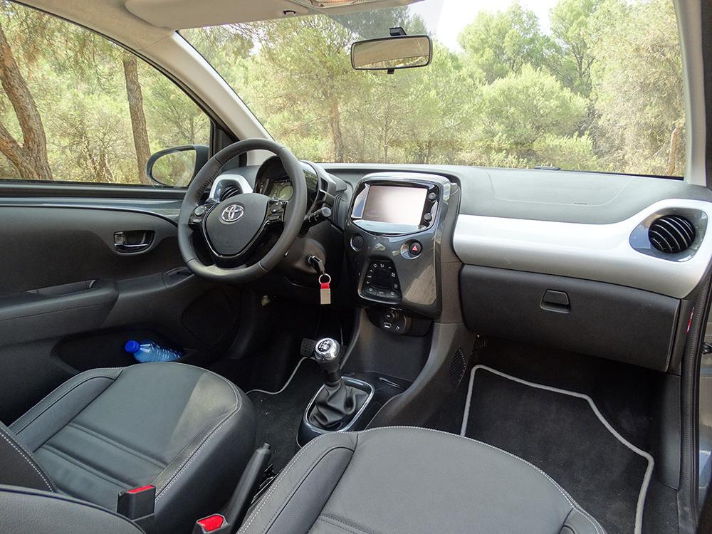 Foto de Prueba Toyota AYGO 2016: interiores, todas las fotos (11/62)
