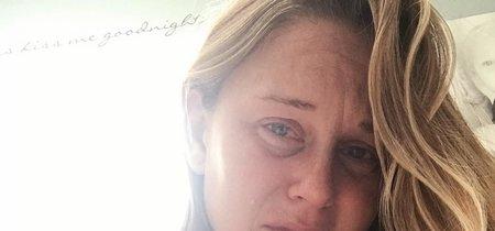 La angustiosa foto de una madre frustrada por su difícil experiencia con la lactancia materna