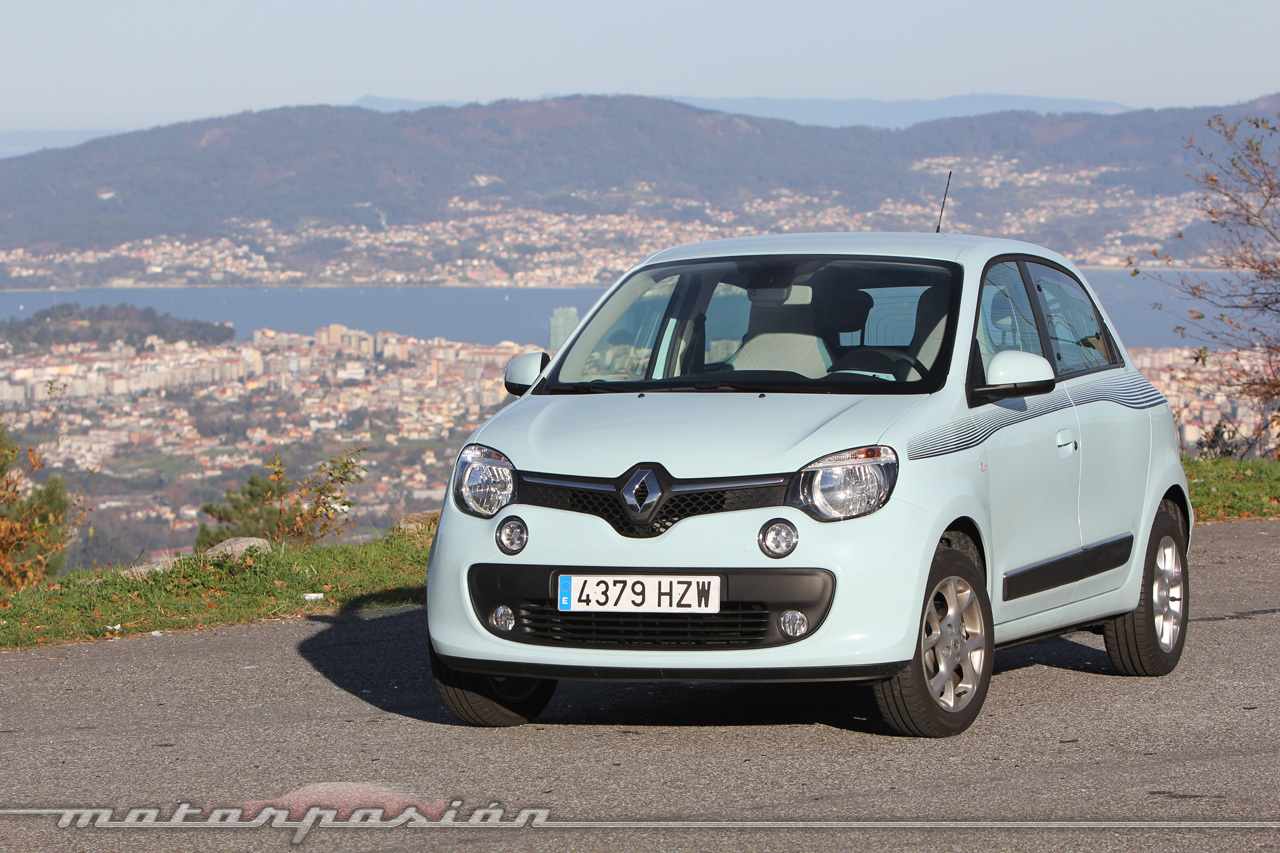 renault twingo sce 70 cv zen 16 47. Black Bedroom Furniture Sets. Home Design Ideas