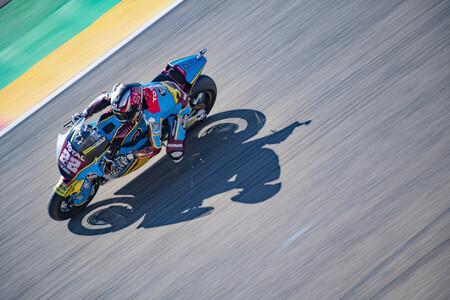 Sam Lowes saca el martillo para hacer la pole en Teruel y ponerse el mundial de Moto2 en el punto de mira