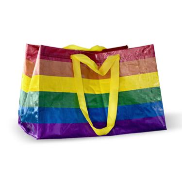 IKEA lanzará una edición especial de su icónica FRAKTA para celebrar el orgullo LGTBI