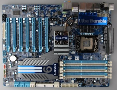 Placa base de Gigabyte con siete PCI-Express, por ahora sólo en imágenes
