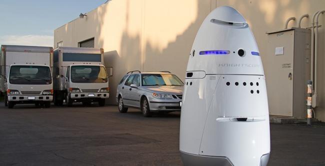 Knightscope K5, el robot de vigilancia que se mueve como una aspiradora roomba