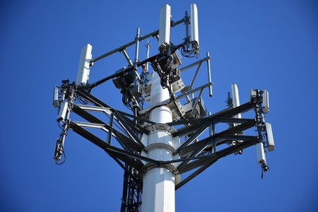 Así puedes pedirle a Orange que mejore la cobertura móvil o instale fibra en tu zona