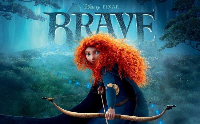 Imagen con el cartel de la película 'Brave (Indomable)'