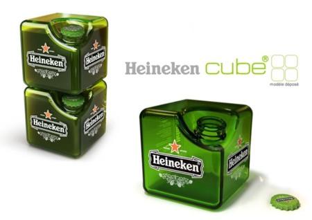 Cerveza en una botella hecha cubo