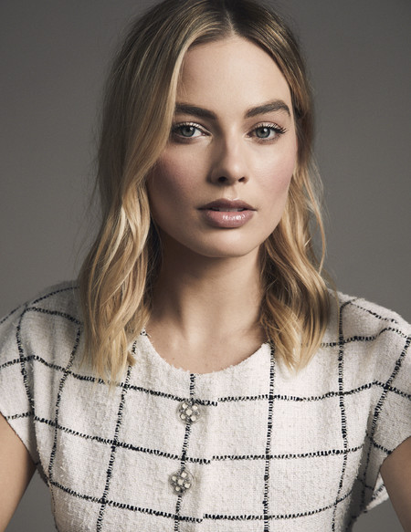 margot robbie chanel beauty