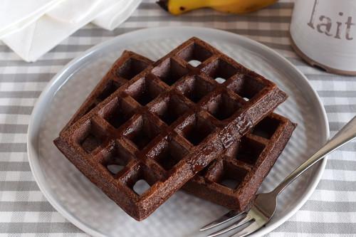 Gofres fitness de chocolate, manzana y avena: receta saludable sin azúcar