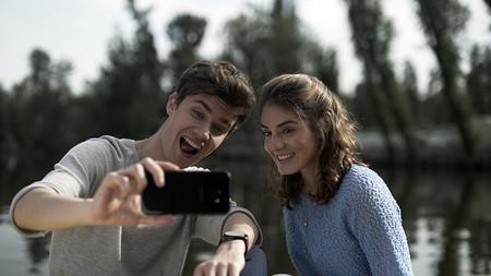 ¿Puede un smartphone de gama media aguantar el ritmo a un millennial activo?