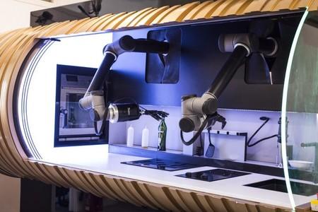 Este robot es capaz de preparar más de 100 recetas de cocina