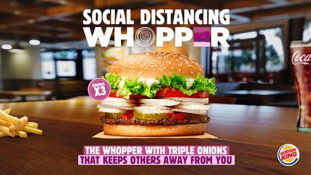 Burger King lanza una Whopper para mantener la distancia social, con triple de cebolla