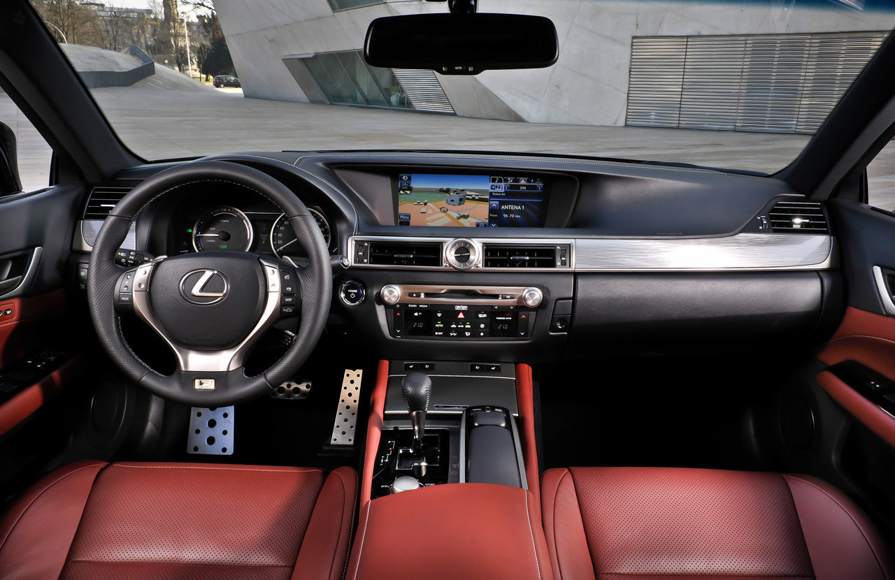 Foto de Lexus GS 450h F Sport (2012) (23/26)