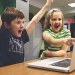 ¿Qué hacemos con los niños y las pantallas? Esto es lo que opinan los expertos