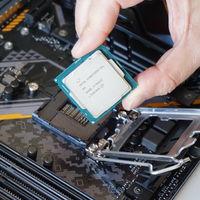 Detectado un posible error masivo en el diseño de las CPU de Intel: solucionarlo ralentizará millones de ordenadores