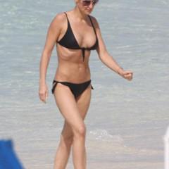 Foto 5 de 31 de la galería famosas-en-bikini-2009-segunda-parte en Poprosa