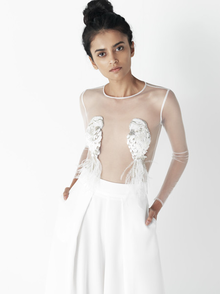 ¿Quieres ser una novia diferente? Lo conseguirás con la primera colección de vestidos de novia de Mónica Cordera