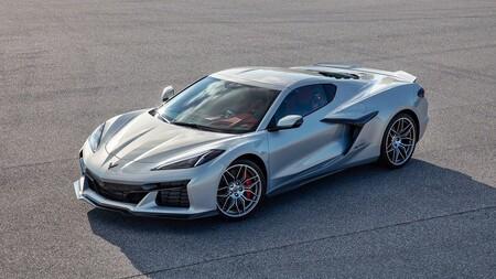 ¡Al descubierto! Esta es la primera imagen del Chevrolet Corvette Z06 sin camuflaje, pero con hambre de Ferrari