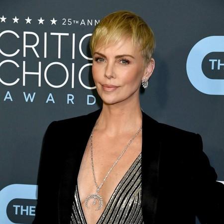 Charlize Theron saca su lado más sensual en los Critics' Choice Awards 2020