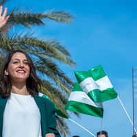 Es perfectamente normal que Inés Arrimadas hable con acento andaluz en Andalucía