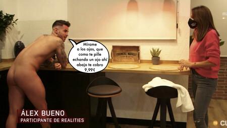 Álex Bueno ('La Isla de las Tentaciones') recibe completamente desnudo a una periodista de 'En el punto de mira' para desvelar el dineral que gana en OnlyFans