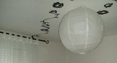 Adhesivos Släthult de Ikea en el techo