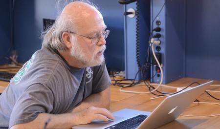 Los viejos programadores nunca mueren, y Silicon Valley se está dando cuenta de ello