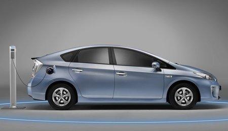 Toyota-Prius-Plug-in-lat