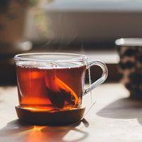Encuentran microplásticos en las bolsas de té: éstas desprenden billones de partículas a tu bebida
