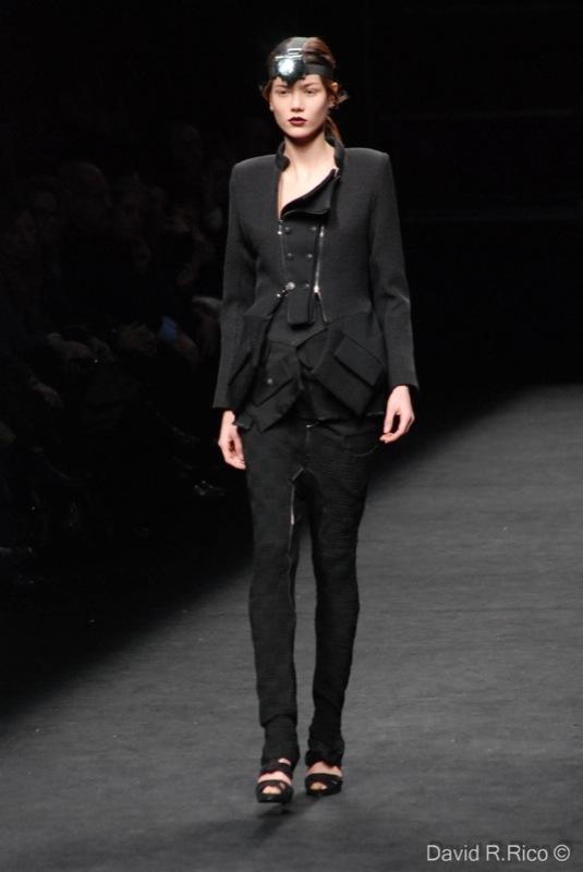 Foto de 080 Barcelona Fashion 2011: segunda jornada con las propuestas para el Otoño-Invierno 2011/2012 (55/99)