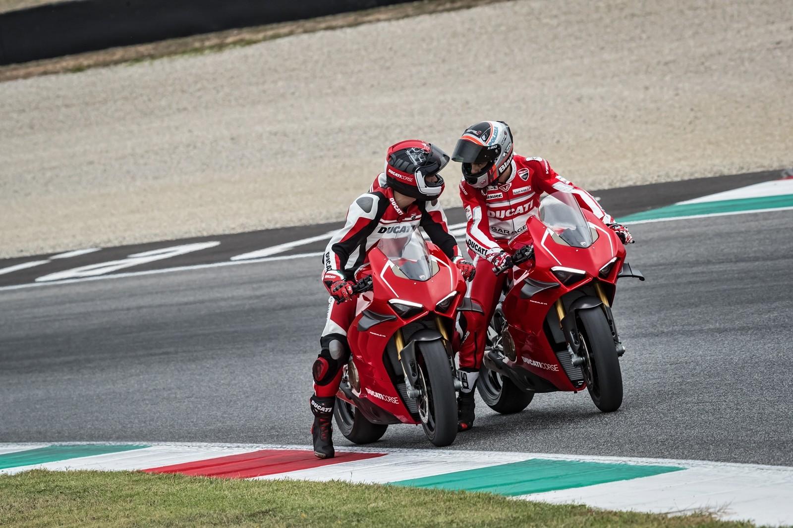 Foto de Ducati Panigale V4 R 2019 (45/87)