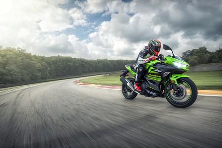 Kawasaki Ninja 400 2018 009