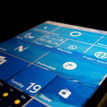 Por si lo estabas esperando Dona Sarkar te avisa: no, hoy no habrá Builds para Windows 10 Mobile