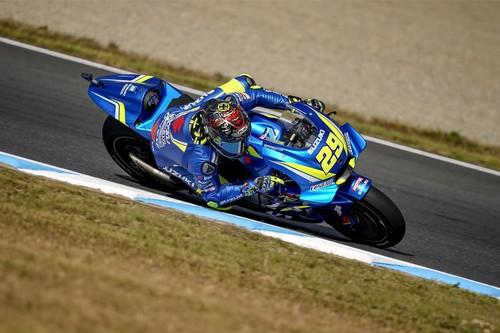 Andrea Iannone y su Suzuki dominan con autoridad el primer día del GP de Australia