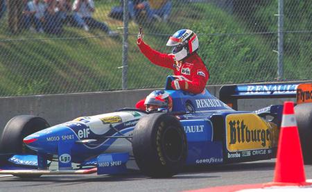 Gran Premio de Canadá 1995: todo el paddock celebra la victoria de Jean Alesi