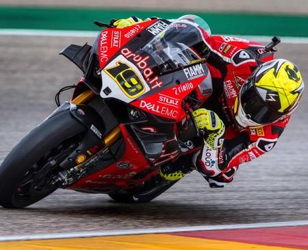 Álvaro Bautista sigue incontestable en Aragón logrando su mayor victoria en Superbikes