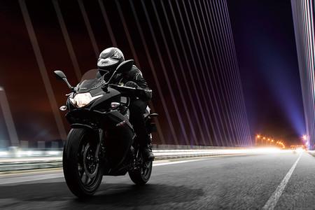 Suzuki Gsx R300 2018 6