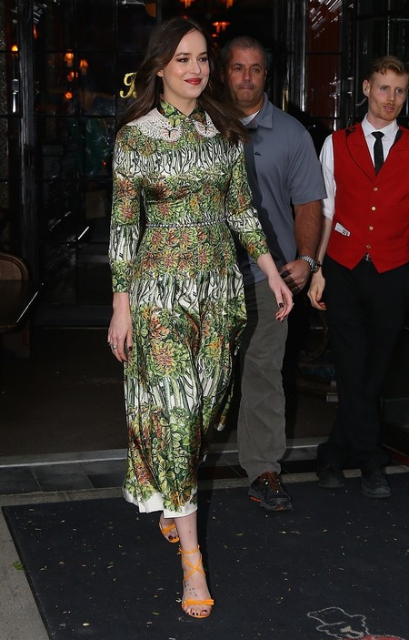 dakota johnson look gucci
