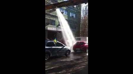 RuзуaPaзуФи™: Hoy toca lavar el coche ante la ventana indiscreta